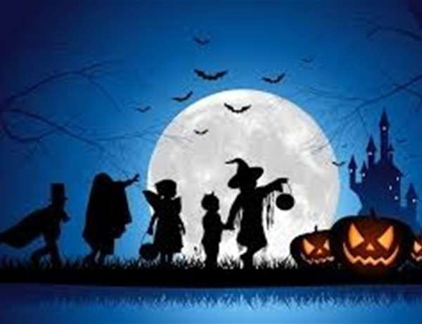 Halloween Trick or Treating (blurry only use for thumbnail)_6367663409781818278