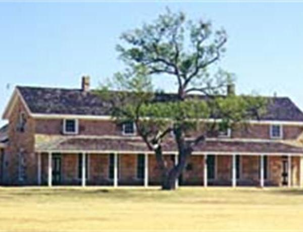 Spring Speakers At Fort Concho_7550438647828925788