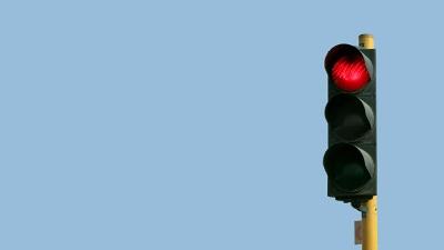 Traffic-light--red-light-jpg_20151005145702-159532