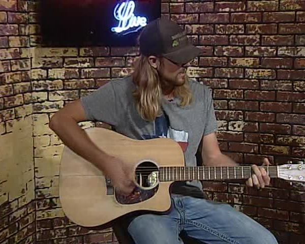 092716 Brice Daniels Sings Country for CV Live_12283683-159532
