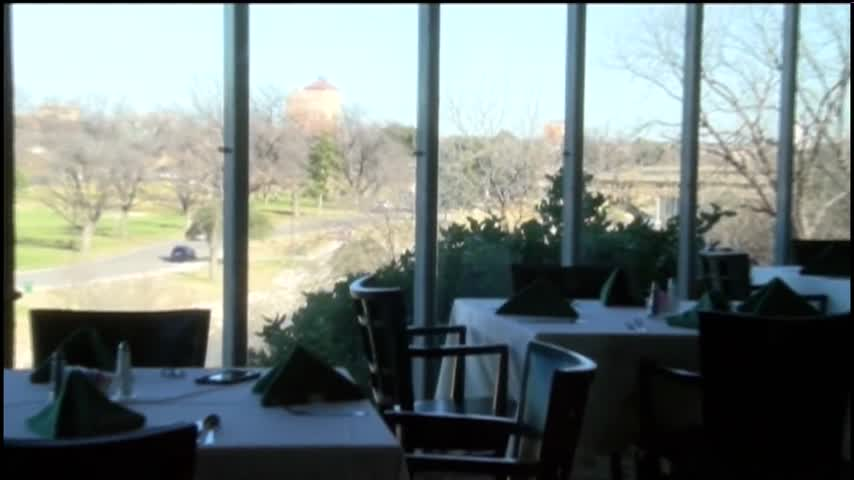 Valentine-s Day Gift Guide- RiverView Restaurant_95467526