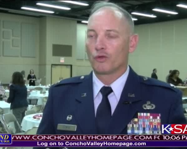 Col- Downs Speaks at Chamber Luncheon_51722988