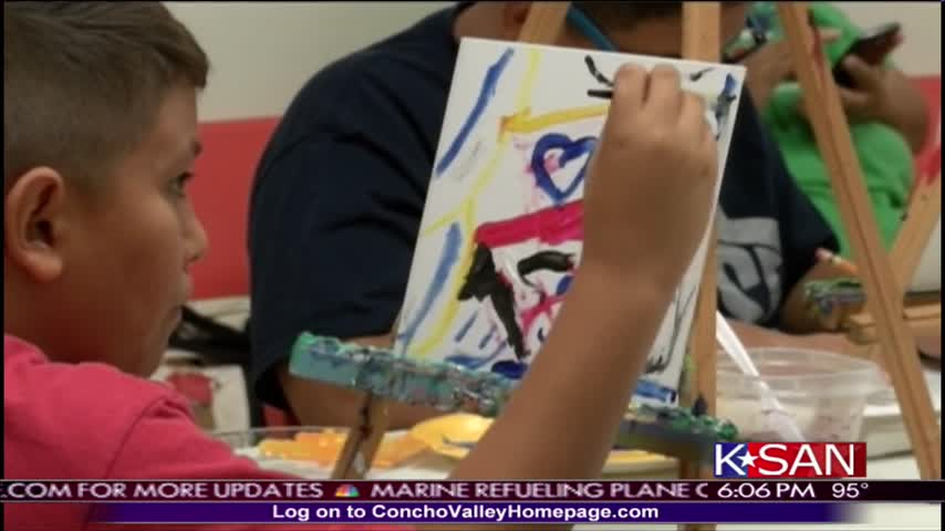 Somebody-s Rusty Brings Art to Homeless_55019343