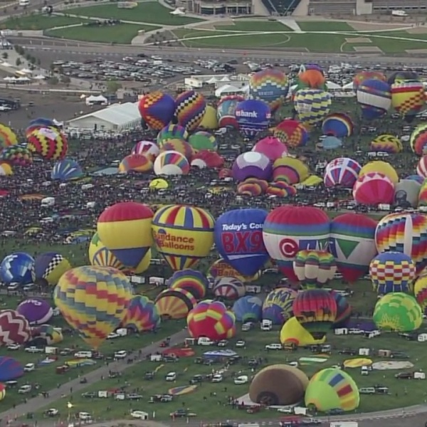 A_view_from_the_top__Balloon_Fiesta_and__1_20180921210332-846624080