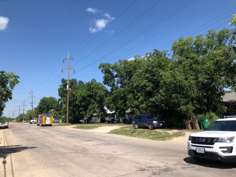 Police diverting traffic on the 400-600 blocks of E. 29th St.