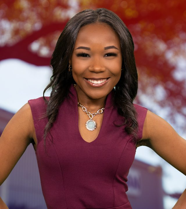 Erin Hunter, Multimedia Journalist